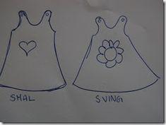 Har du lyst til å designe din egen forklekjole? Slik gjør jeg det. 1. først tegner jeg forklekjolens fremside slik jeg vil ha den, enten sm...