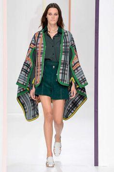 Hermès Spring 2018 Ready-to-Wear Fashion Show - Leila Goldkuhl