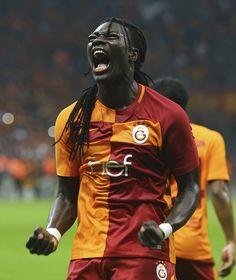 Türk Telekom Stadı'ndaki maçın 44 ve 79. dakikalarında Kasımpaşa ağlarını havalandıran Gomis, ilk 5 haftalık periyotta her maçta gol sevinci yaşadı ve bu süreçte 7 gol kaydetti.