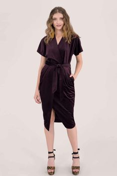 Looking for Bodycon Dresses? Call off the search with our Velvet Kimono Midi Dress In Purple. Shop unique fashion at SilkFred Wrap Over Dress, Faux Wrap Dress, Kimono Dress, Bodycon Dress, Purple Velvet, Wrap Style, Unique Fashion, London, Model