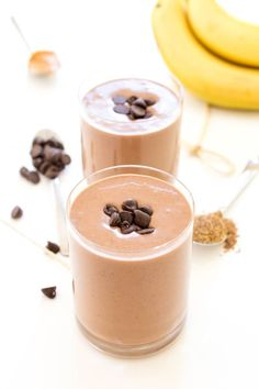 Super Rich and Creamy Chocolate Peanut Butter Protein Smoothie. Loaded with tons of protein to keep you full throughout the day. Made with cocoa powder and creamy peanut butter,