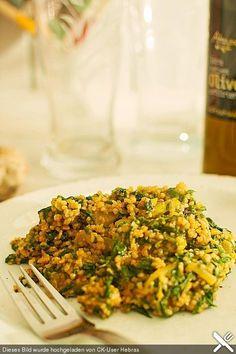 Couscous mit Zucchini, Kichererbsen und Blattspinat