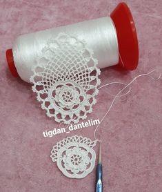 Crochet Leaf Patterns, Crochet Leaves, Thread Crochet, Crochet Motif, Irish Crochet, Crochet Doilies, Crochet Flowers, Crochet Stitches, Crochet Hooks