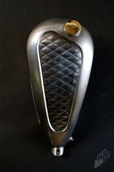 diamond pattern custom gas tank - right | rigid hips stockholm