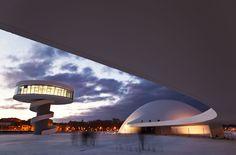 Principais Obras de Oscar Niemeyer - No Brasil e No Exterior - Centro Niemeyer, COMPLEXO CULTURAL localizado em AVILÉS, na ESPANHA