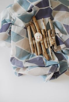 5 gorgeous kids craft ideas to make on a beach holiday, via We-Are-Scout.com: Raft weaving
