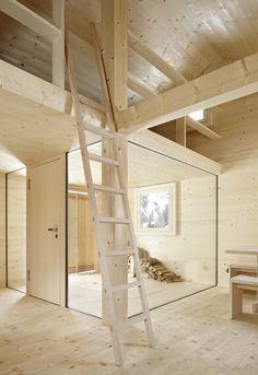 Bearth & Deplazes - Alpine hut, Wiesner Via, photos. Architecture Design, Residential Architecture, Plywood Interior, Flur Design, Timber House, Wood Interiors, House In The Woods, Interior And Exterior, New Homes