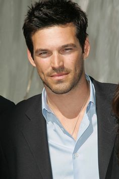 Eddie Cibrian - This man is so beautiful. Too bad he's a cheater.