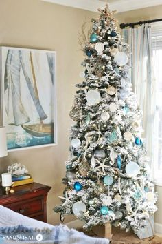Blue can be a stunning accent colour for your Christmas decor style; Blue Christmas and Coastal Christmas Style Series decor, DIY, inspiration. Beach Christmas Trees, Coastal Christmas Decor, Nautical Christmas, Tropical Christmas, Gold Christmas Decorations, Christmas Bedroom, Beautiful Christmas Trees, Merry Christmas, Christmas Tree Themes