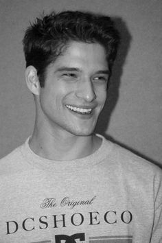 TEEN WOLF: Candid photos and video interviews at WonderCon - tyler posey Informationen zu TEEN WOLF: Candid photos and video interviews at WonderCon Pin S -