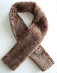 studs and pearls: DIY: Fur & Ribbon Scarf