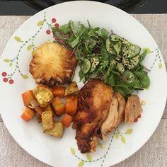 Hoje no almoço: Salada de folhas de rúcula e beterraba sunomono (s/ açúcar ) abacaxi na chapa batata doce e cenoura assadas e um franguinho assado com tempero picante - receita da mamãe  . #paleolifestyle #paleo #lchf #almocodehoje #vidasaudavel #naoedietaeestilodevida #lowcarb #lowcarbhighfat #carbopraque - Inspirational and Motivational Ketogenic Diet Pins - Eat Keto Get Into Nutritional Ketosis - Discover LCHF to Prevent Diseases - Enjoy Low-Carb High-Fat Lifestyle For Better Health
