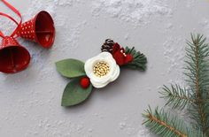 Felt Flower Accessories and gifts for littles. Holiday Style, Holiday Fashion, Holiday Decor, Free Studio, Pine Needles, Pine Cone, Holiday Photos, Felt Flowers, Little Girls