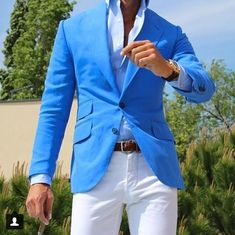 Amazing colors for the summer! @absolutebspoke #suit #menswear #suited #menstyle #styletip