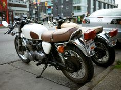 Saw those beauties on the street and had to share : CafeRacers