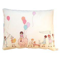 Kid Room Design . Nursery Style . Little Boy . Little Girl | Oreiller Parade www.roseandmilk.com