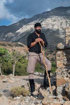 Shepherd in Chrysoskalitissa, Crete. Photo by Triantafyllia Photoshooting. Zorba The Greek, Myconos, Crete Island, Heraklion, Greek Culture, Crete Greece, Greek Art, Paros, People Of The World
