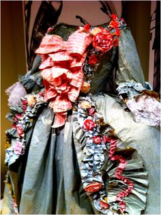 ℘ Paper Dress Prettiness ℘ art dress made of paper - fashioned after this portrait of the Marquise de Pompadour, 1756, by Isabelle de Borchgrave