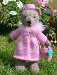 teddy bear knitting pattern- easy knitted toy patterns by Debi Birkin www.debibirkin.com