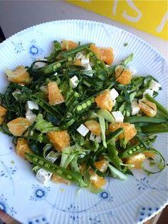 Aftensmad tilbehør: Spidskålssalat med feta og appelsin