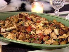 Look at this recipe - Basil chicken hash - from Ina Garten and other tasty dishes on Food Network. Turkey Recipes, Great Recipes, Dinner Recipes, Favorite Recipes, Turkey Dishes, Dinner Ideas, Crowd Recipes, Interesting Recipes, Simple Recipes
