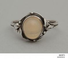 86/971 Ring, silver & opal designed and made by Rhoda Wager, Sydney, Australia, c. 1925 - Powerhouse Museum Collection