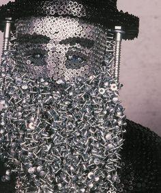 federico uribe sculpture made of screws Sculpture Art, Sculptures, Nail String Art, Unusual Art, Pin Art, Creative Artwork, Easy Home Decor, Metal Crafts, Creative Thinking