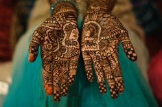 Clever mehndi (henna) design at this Indian wedding, with heads that face each other on each of the bride's palms. Bridal Mehndi, Mehendi, Wedding Styles, Wedding Ideas, South Asian Wedding, Dallas Texas, Indian Weddings, Henna Designs, Palms