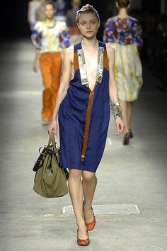 Dries Van Noten Spring 2008 Ready-to-Wear Fashion Show - Jessica Stam (IMG)