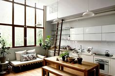 neat-two-story-house-in-williamsburg.jpg 1,578×1,050 像素