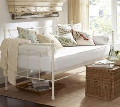 Savannah Metal Daybed With Trundle, Antiqued Pewter finish