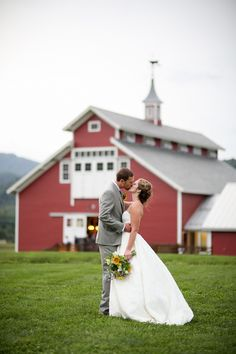 I don't know what I love most about this wedding! The sunflowers, the awesome red barn, the rustic wedding sign – all of it comes together for a perfect day.Caitlin and Jarred not only wanted a fun wedding that was a reflection of their love for one another, they also wanted a sustainable wedding that …