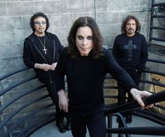 Black Sabbath guitarist Tony Iommi pulled the plug on negotiations with Bill Ward because he feared he was running out of time to make the band's reunion album. Black Sabbath Tour, Black Sabbath Live, Black Sabbath Concert, Bill Ward, Ozzy Osbourne Black Sabbath, Gus G, Rival Sons, Rock Y Metal, Black Label Society