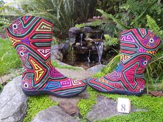 News information and discussions about Kuna Prints Boots, Bags and Shoes made with the beautifully vibrant hand sewn textiles know as Molas.  These Mola textiles are the traditional artistic creations of the Kuna Indians of the San Blas Island chain off the eastern coast of Panama. Each Kuna Prints product is a unique, eco-fashion that is handmade, fair trade, and vegan.  Each Kuna Prints product is Unique, Eco-Fashion, Hand Made, Fair Trade, and Vegan.