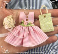 1/12 vestido bolso y berret 3 piezas miniatura por LeMiniaturediBea