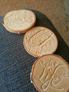 Miss Magpie's blog: Engraving wood slices using a dremel