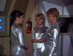 "Lost in Space Season 3 Episode 2 ""Visit to a Hostile Planet "" Space Tv Shows, The Way I Feel, Hair Starting, Lost In Space, Beauty Shots, Tv Series, In This Moment, Seasons, Film"