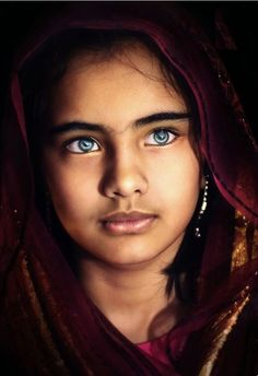 Face / Portrait/ the eyes! Beautiful Children, Beautiful People, Stunning Eyes, Interesting Faces, People Around The World, Cool Eyes, Pretty Eyes, Belle Photo, Portrait Photography