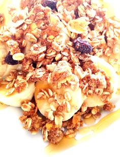 Banana, granola light e mel.