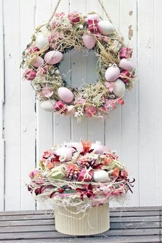 Ideas For Craft Easter Wreath Deco Mesh Basket Flower Arrangements, Diy Ostern, Easter Holidays, Easter Wreaths, Spring Crafts, Easter Baskets, Easter Crafts, Diy And Crafts, Flowers