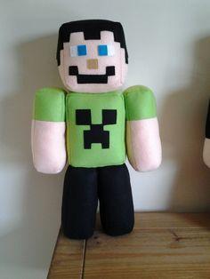 Boneco Minecraft Skin, feito em feltro, medindo 49cm de altura. Peça decorativa.Frete por conta do cliente. Valor referente a 01 peça.