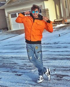 Photo Poses For Boy, Boy Poses, Jassi Gill, Famous Singers, Film Industry, My Crush, Superstar, Bomber Jacket, Winter Jackets