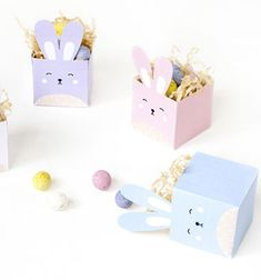 Delight your kids and friends with these DIY printable easter bunny treat boxes! Paper Flower Wreaths, Flower Crafts, Bunny Crafts, Diy Crafts, Basic Origami, Origami Christmas Tree, Paper Bunny, Spring Crafts For Kids, Decoration