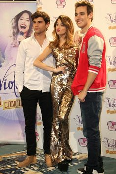 i love you Violetta And Leon, Violetta Live, Disney Channel Shows, Disney Shows, Selena Gomez, Netflix Kids, Series Movies, My Princess, Famous People