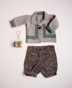 J'adore ce petit pull, est-ce que l'une d'entre vous aurait le modèle pour le réaliser? Merci d'avance et bonne journée.