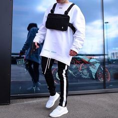 Streetwear Fashion trends and outfits for sale - - Fashion Mode, Urban Fashion, Mens Fashion, Fashion Fall, Runway Fashion, Fashion Outfits, Fashion Trends, Hypebeast Outfit, Casual Outfits