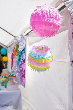 Fringe ball decorati