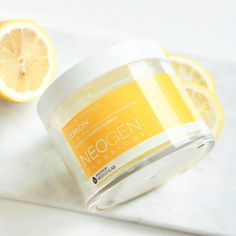 Did you remember your vitamins? If you loved Neogen's Bio Peel Gauze in wine, the innovative exfoliating pad that is gentle enough for everyday, try the Neogen Bio Peel in lemon. It's like a little mitten for your fingers that rubs away dark spots and fine lines. Time to say farewell to winter skin and hello to orange and papaya extracts and smooth skin! Read the full review by @charlottejcho in the link below…
