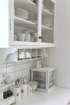 Shabby Chic Kitchen - http://myshabbychicdecor.com/shabby-chic-kitchen-66/ - #shabby_chic #home_decor #design #ideas #wedding #living_room #bedroom #bathroom #kithcen #shabby_chic_furniture #interior interior_design #vintage #rustic_decor #white #pastel #pink