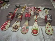ημερολογιο κουταλα - Αναζήτηση Google Holiday Fun, Christmas Time, Christmas Crafts, Diy For Kids, Crafts For Kids, Wooden Spoon Crafts, Handmade Diary, Paper Christmas Decorations, Diy Calendar